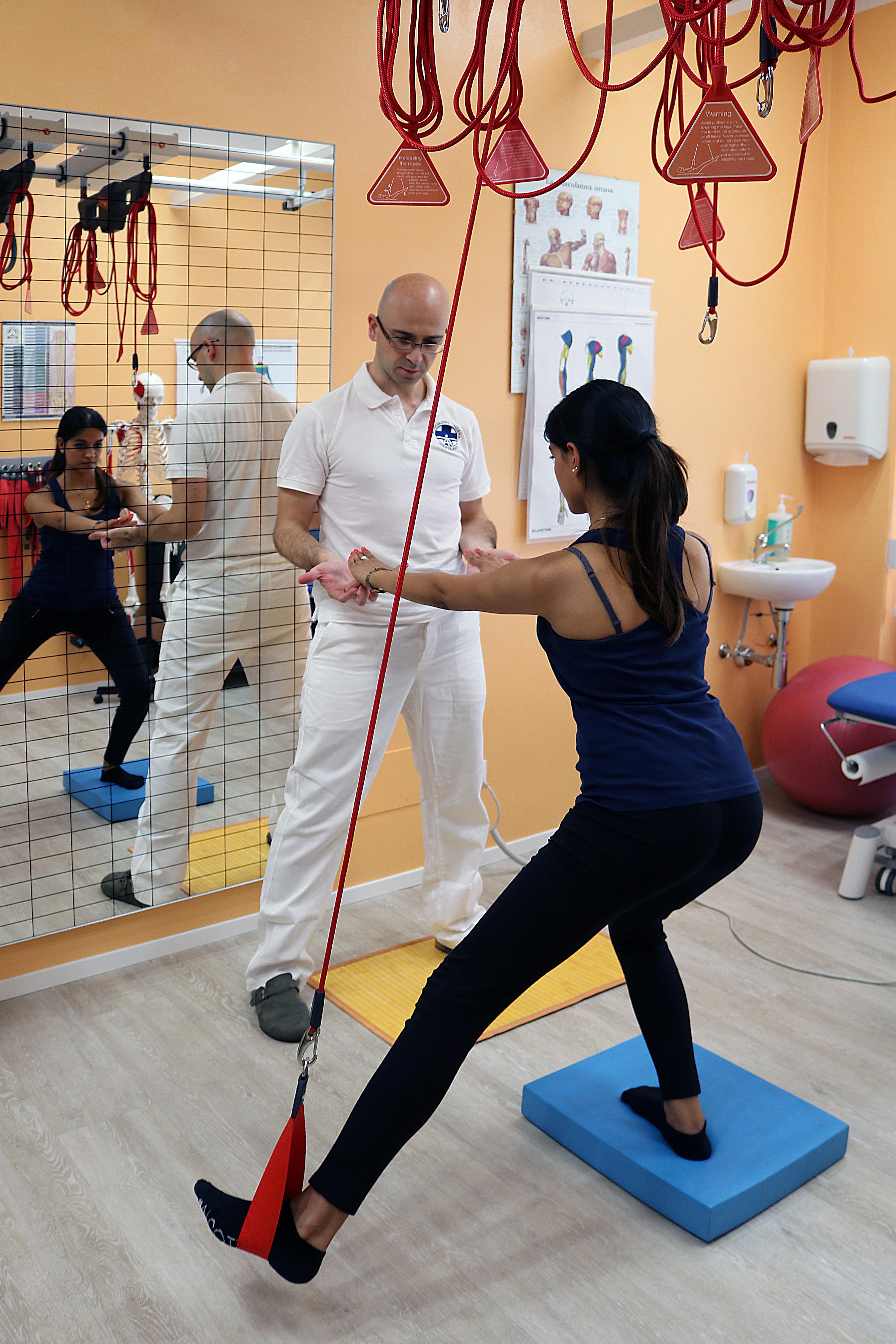 redcord esercizi controllo posturale arto inferiore 02